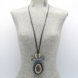 Jewelry - Grey, Black and Gold Oval Long Necklace Set
